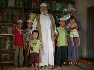 bersama sheikh mahmud muhammad assiyam di rumah 002