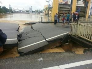 15 jalan Sg Limbong ke pasar Cukai runtuh